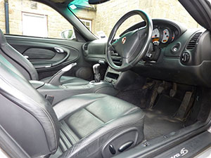 car upholstery cleaning london fabric or leather seats. Black Bedroom Furniture Sets. Home Design Ideas